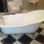 Luxury slipper bath