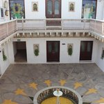 Usha Kiran Palace: Inner courtyard