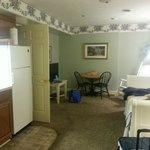 Zeigler Holtzworth Livery Suite