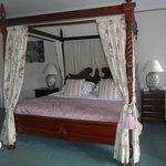 Room 3 Huge Four Poster Bed