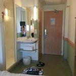 Hele rommet og badet