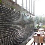 mur d'eau dans le hall