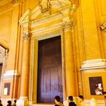 Now that's a door (to the Cathedral do San Pietro opposite the Bagloni)