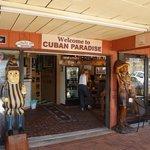 Cuban Paradise Cigar and Cafe Foto