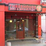 ThreeHouse  -  B&B  -  Kuching