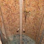 Porte de douche spéciale inondation