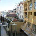 Вид из окна (балкончик в соседнем номере)