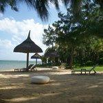 petite plage du côté du restaurant de la plage