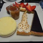 Un exemple d'assiette à partir du buffet des desserts