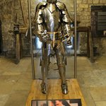 Explore medieval armour and weapons during the Wars of the Roses
