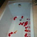 Rose petals in the bath!