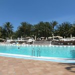 Poolbereich, im April 2014 immer ausreichend Liegen