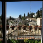 Vy från balkongen mot Albaicin, Sumeria. Åt vänster syntes Alhambra fint.