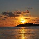 Sonnenuntergang mit Blick vom Strand