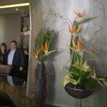 Paulo et Yolanda de la réception de l'Hôtel...