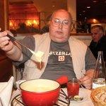 Традиционное сырное фондю - праздник живота!