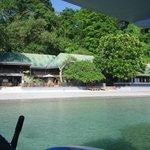 Ankunft am Bastianos Dive Resort per Boot