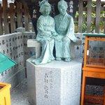 お初・徳兵衛の像