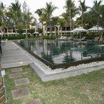 piscine relaxe réservée aux adultes