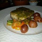 Nuestro pescado con salsa al pesto