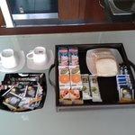 Café da manhã servido pelo Altamira. Os cerais podem variar com bolo ou iogurte.