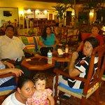 EN FAMILIA EN EL RECIBIDOR