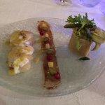 saint-jacques marinées à la mangue,mozza bufflone aux asperges,vinaigrette de truffe