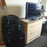 The obligatory bureau/flatscreen/micro/fridge configuration packs in all the necessities.