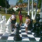 ajedrez gigante muy padre