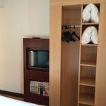 Room 412 - closet and TV