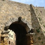 Porta all'Arco- Volterra