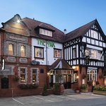 The Royal Oak Hotel and Restaurant. Chester Road