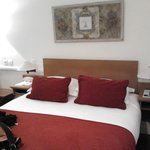 La chambre élégante et confortable