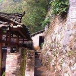 餐厅旁登山的台阶