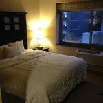 Camera matrimoniale - uso singolo - vista città (settimo piano)