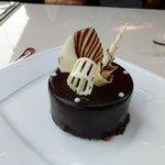 Very decadent dessert & pretty