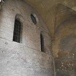 Antes de entrar na igreja teto do pórtico do mosteiro