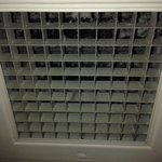 Ventilation duct cover in bathroom of room 1817