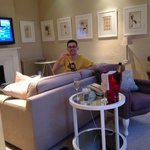 Lounge area with champagne :-)