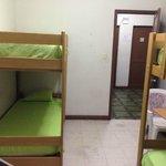 habitación para cuatro personas