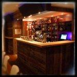 Un bar chaleureux