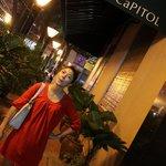 Tampak Samping Capitol Hotel
