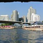 Free river shuttle
