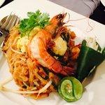my favorite thai dish —pad thai!