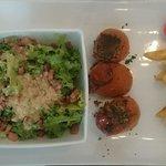 Tomates Farcies, frites maison et salade... 69k