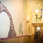 В нашем хостеле работал профессиональный художник - декоратор