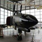 F-4 ファントムですね。
