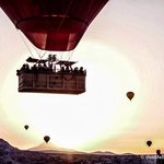 Voyager Balloons at Sunrise - www.thislifeintrips.com