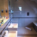 bathroom room 22