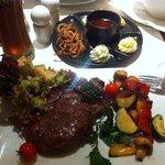 Rib Eye Steak mit Gemüse